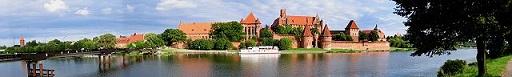 640px-Marienburg_2004_Panorama_web.jpg